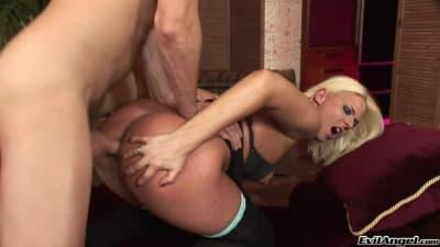 Simony Diamond recebe sodomia de Ian Scott