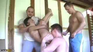 Katerina e sexo com trio de homens