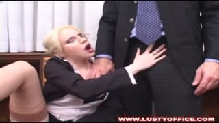 Marilyn vai dar muito prazer ao chefe