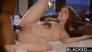 Kimberly faz sexo pela primeira vez com preto