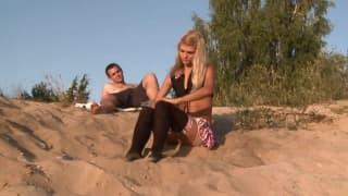 Loly Hardcore, estudante na praia