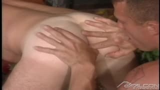Jake Andrews quer fazer sexo com Tyler Hill !