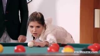 Gina Gerson sabe brincar com bolas!