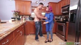 Faz sexo com uma arabe