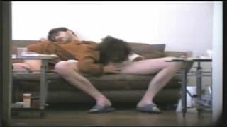 Transar no sofá lhes dá prazer