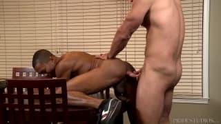 Golpeadas de rola profundas entre homens!