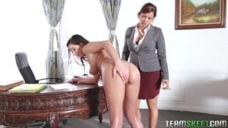 Keisha Grey dá castigo bom para Karlee