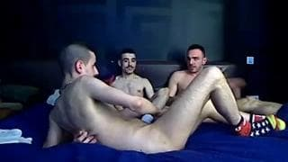 Quatro arabes numa cena gay!
