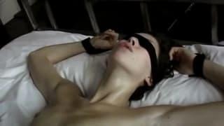 Margot Stilley numa cena de sexo hardcore!