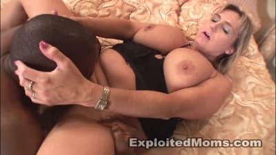 Wanda Lust numa cena de sexo interracial!