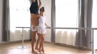Uma professora de dança deliciosa