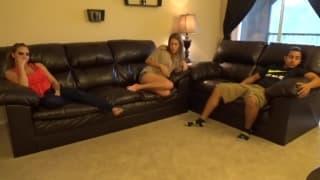 Sasha hace enos mostra sessão de sexo oral!