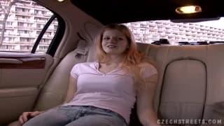 Esta limousine vai ser o lugar do sexo!