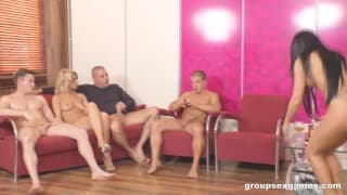 Cristina Bella e Tiffany Rousso em uma orgía