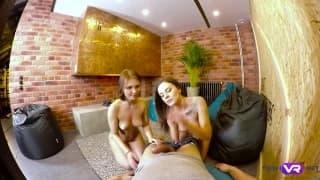 Lita Phoenix e Carolin num belo trio sexual