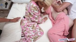 Uma festa de pijama entre dois casais