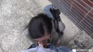 Uma tchecoslovaca fodendo ao ar livre