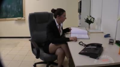 Uma sessão entre duas putas e um homem