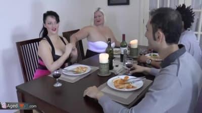 Vieram jantar e acabaram se comendo