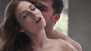 Casal mostra o lado sensual de uma bela foda