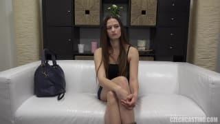 Um casting porno cheio de prazer com Monika