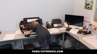 Todos os chefes querem uma secretária assim