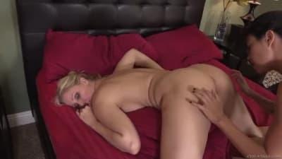Dana Vespoli quer sexo oral comJulia Ann