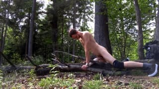 Cara nu na floresta se sá prazer sozinho!