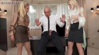 O patrão deve escolher entre as secretárias