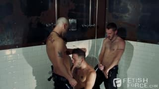 Tony com Chris e Preston chupando duro!