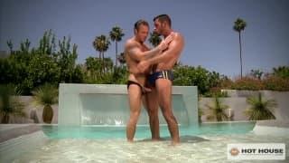 Três amigos gayus gozam sol com boquetes!