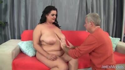 Gorda linda fode tanto como uma magra
