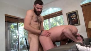 Sexo oral entre Tommy Defendi e Jake