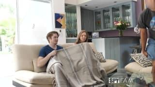Eles ficam quentes vendo um filme romântico