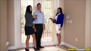 Black Realter seduces white home buyer