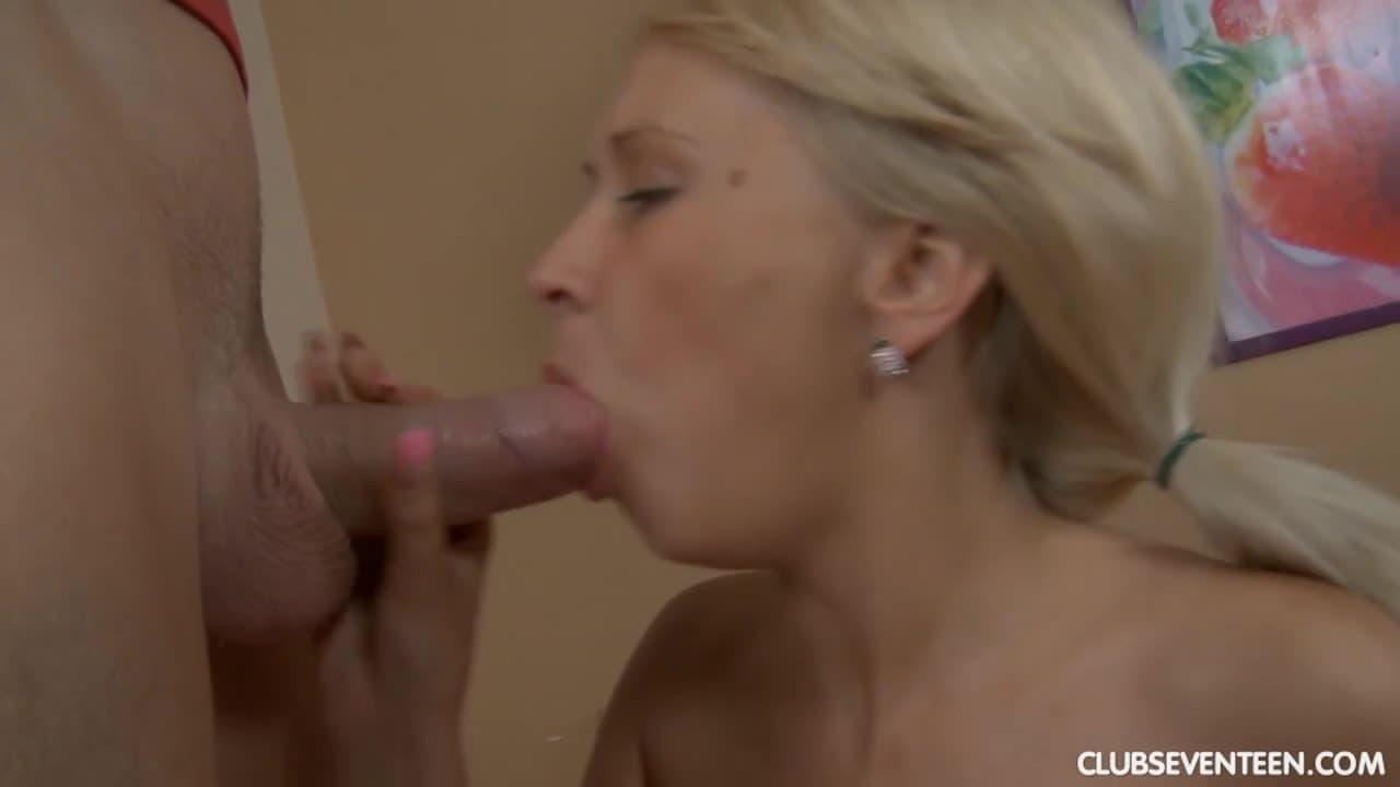 Deepthroat gag puke vomit