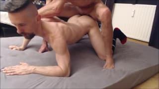 Excelente sexo anal entre um casal de gays